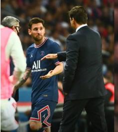 Messi ignores Pochettino's handshake